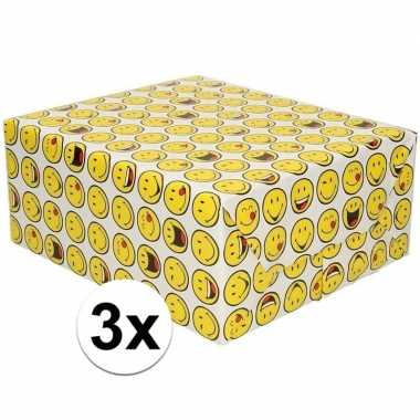 3x inpakpapier/cadeaupapier wit met emoticons 200 x 70 cm