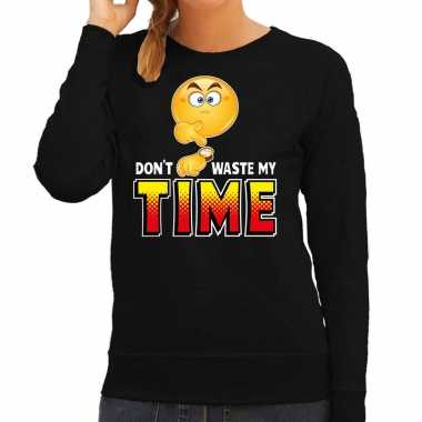 Funny emoticon sweater dont waste my time zwart dames