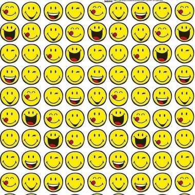 Inpakpapier/cadeaupapier wit met emoticons 200 x 70 cm