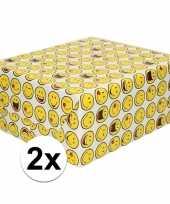 2x inpakpapier cadeaupapier wit met emoticons 200 x 70 cm