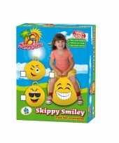 Emoticon skippybal knipoog